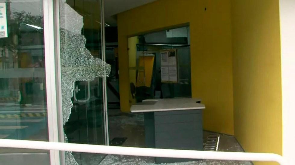 Enfrentamiento deja al menos 10 asaltantes muertos en Brasil - Foto de TV Globo