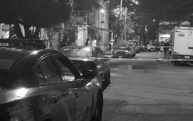 Investigan asesinato de hombre en Iztapalapa - Foto de @jlleralaprensa