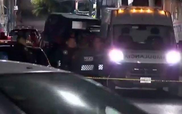 Asesinan a hombre a bordo de su auto en Iztapalapa
