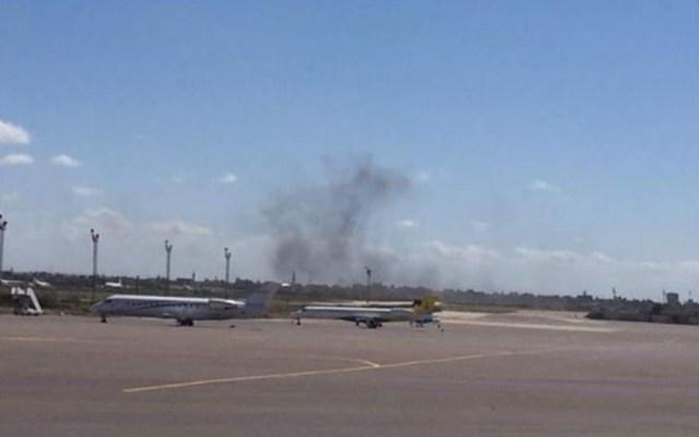 Atacan el único aeropuerto en funcionamiento en Trípoli - ataque aeropuerto tripoli