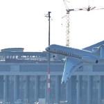 Alas de jet del gobierno alemán golpean la pista al aterrizar