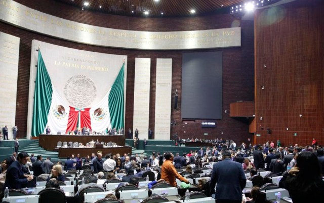 Diputados aprueban descanso de 11 días tras plantón de la CNTE - Foto de @CanalCongreso