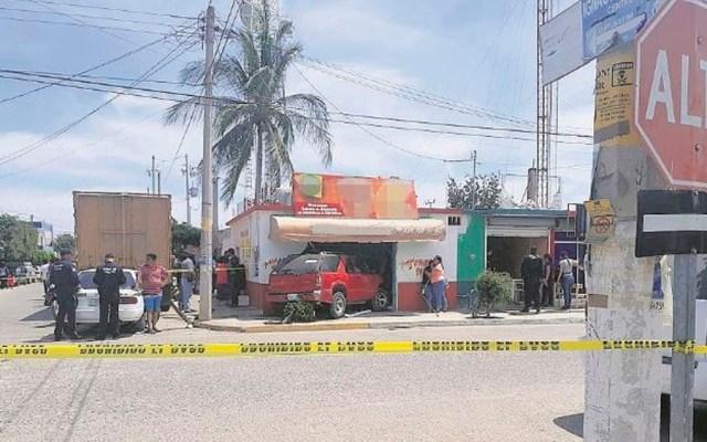 Camioneta choca contra pizzería y mata a niña en Sinaloa - Foto de El Debate