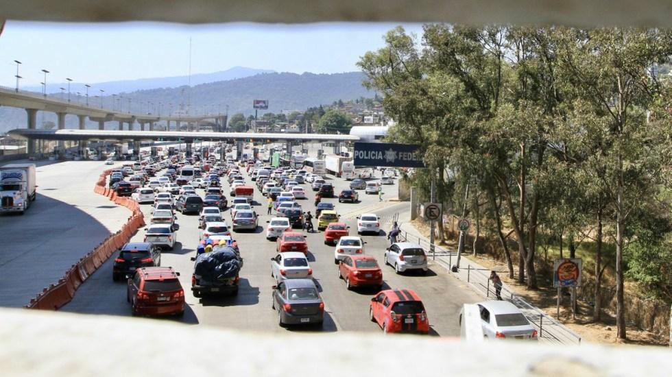 Manifestantes toman caseta de la autopista México-Cuernavaca - manifestantes caseta México-Cuernavaca