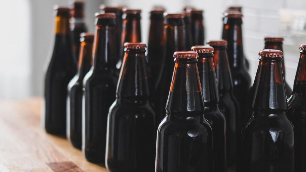 El alcohol daña el cerebro aun después de dejarlo - Cervezas. Foto de Adam Wilson / Unsplash