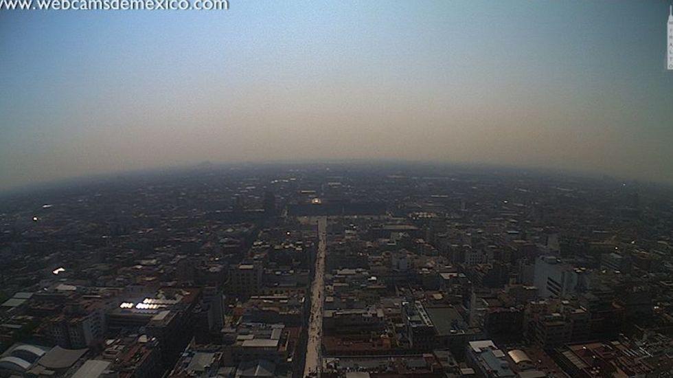 Mantienen Fase 1 de Contingencia Ambiental; autos podrán circular en la tarde - La Ciudad de México. Foto de @webcamsdemexico