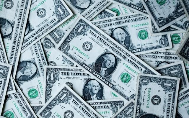 """EE.UU. prevé inyectar dólares en Venezuela en """"plan de rescate"""" post-Maduro - Foto de Sharon McCutcheon para Unsplash"""
