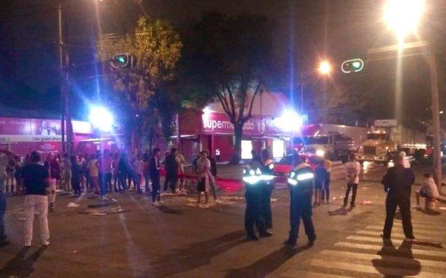 Bloquean Calzada La Viga por impedir partidos de futbol