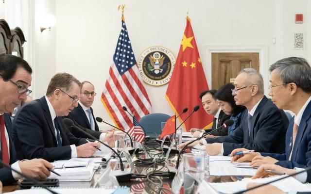 China y Estados Unidos reanudarán negociaciones en Pekín - El representante comercial de los Estados Unidos, Robert Lighthizer, y el secretario del Tesoro, Steven Mnuchin, en una reunión con el viceprimer ministro chino, Liu He, el 3 de abril. Foto de Andrea Hanks/White House