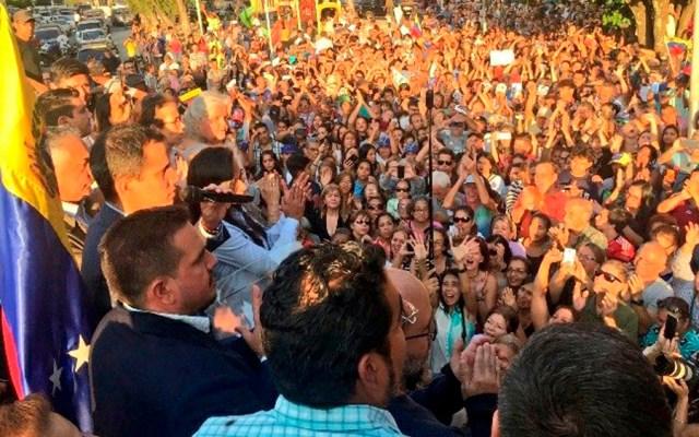 Seguidores de Guaidó y Maduro se movilizan en Venezuela - Foto de @jguaido