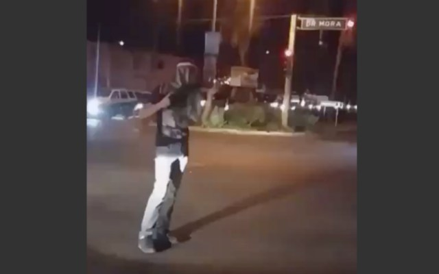 #Video Hombre dispara bazuca en Culiacán - Foto de El Debate