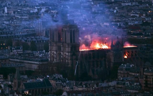 Abre Fiscalía de París investigación por incendio en catedral de Notre-Dame - Foto de AFP