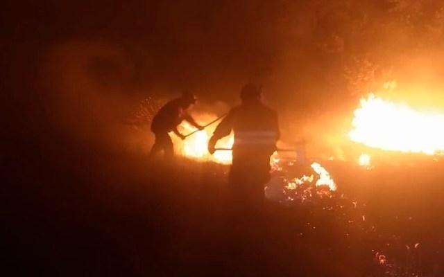 Bomberos combaten incendio en Xochimilco - Foto de @SGIRPC_CDMX