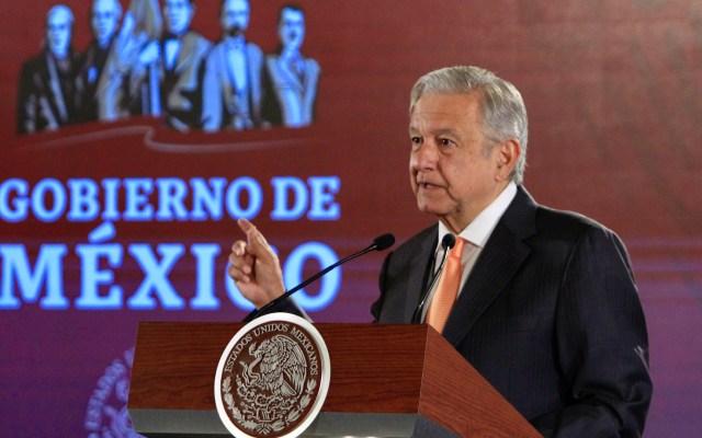 """""""Eso no es cierto"""": descarta AMLO cobro de tenencia en todo el país - López Obrador. Foto de Notimex-Javier Lira."""