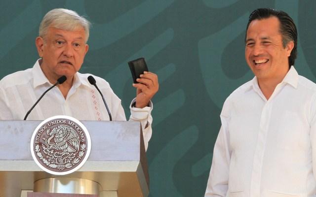 Autoridades federales apoyarán a Cuitláhuac García: AMLO - Refrenda López Obrador apoyo a Cuitláhuac García. Afirmó que le confiaría hasta 'la cartera'. Foto de Notimex- Javier Lira.