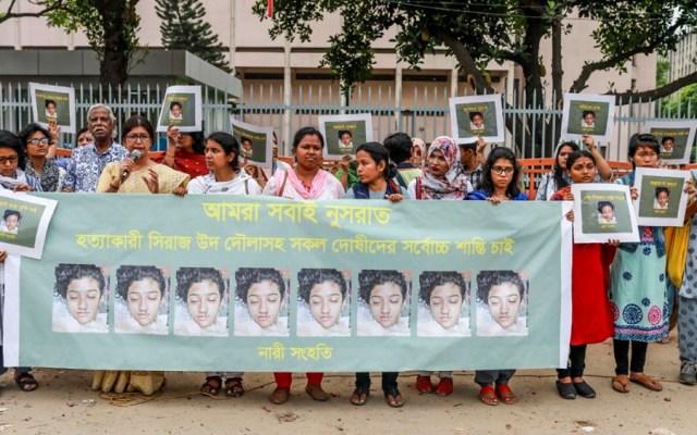 Protestas en Bangladesh por asesinato de joven que denunció acoso sexual - Foto de AFP