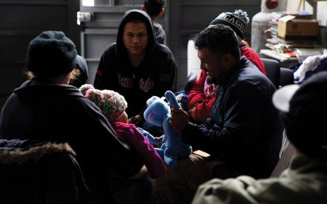 Al menos mil 105 migrantes esperan en México trámite de asilo en Estados Unidos - Foto de Notimex