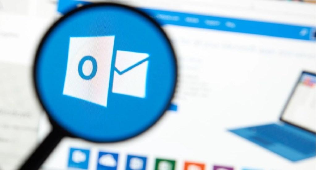Hackean cuentas de correo de Microsoft - Logo de Outlook. Foto de Shutterstock