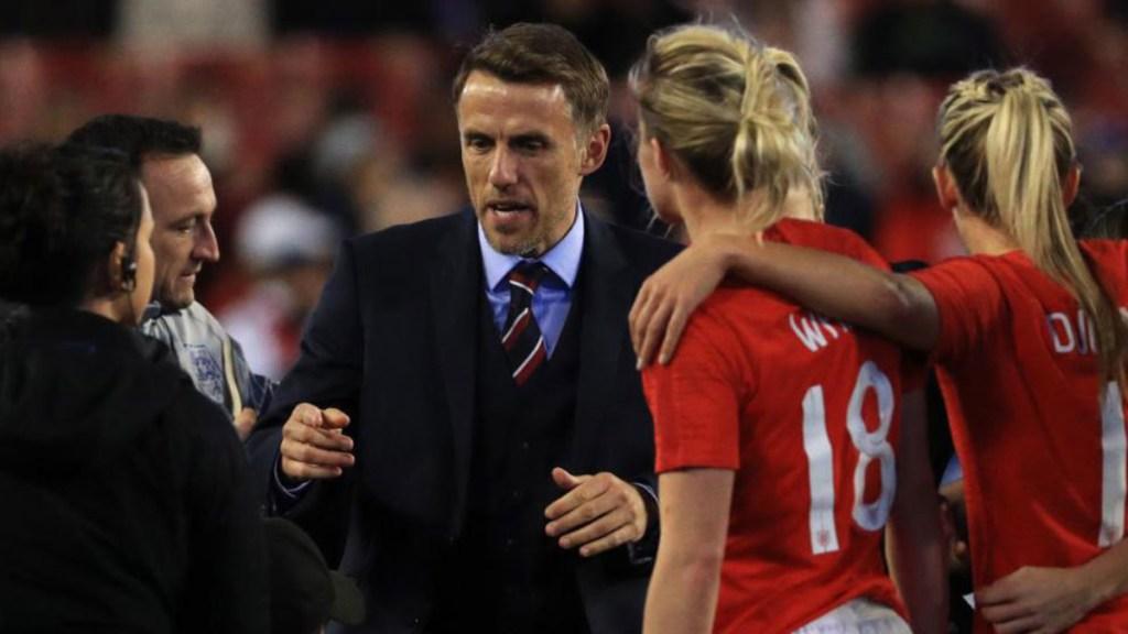 Jugadoras deben ganarse igualdad con los hombres: Phil Neville - Phil neville igualdad jugadoras