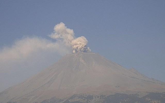 Popocatépetl registra emisión de gases y ceniza este miércoles - Foto de Webcams de México