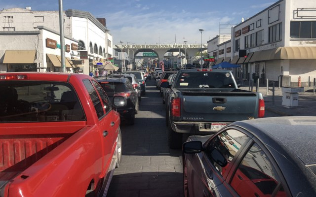 Peatones también sufren de retrasos en cruces fronterizos - Foto de @comarbarranco