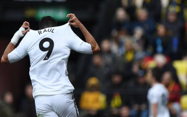 Aficionados del Wolverhampton dedican cántico a Raúl Jiménez - Raúl Jiménez