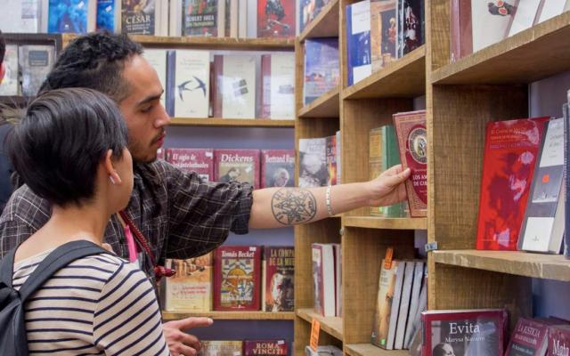 Remate de Libros se llevará a cabo en julio en Los Pinos - Foto de Twitter Gran Remate de Libros