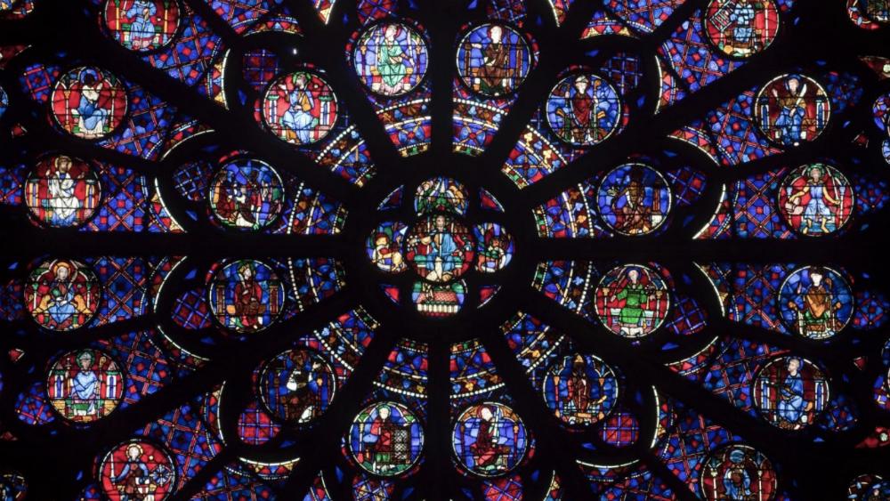 El cura bombero que salvó las reliquias de Notre Dame — Héroe