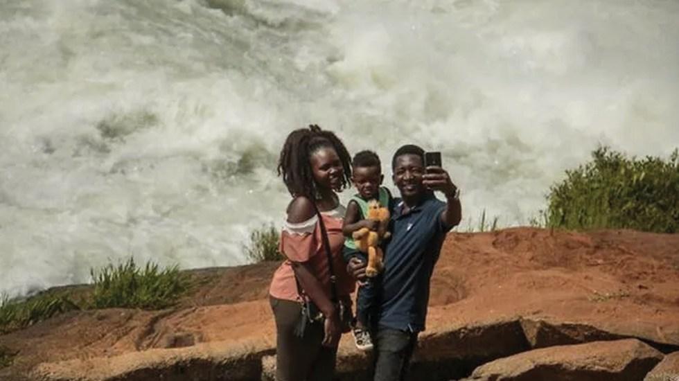 Hombre muere al caer al río Nilo Blanco cuando se hacía una selfie - Foto de AFP