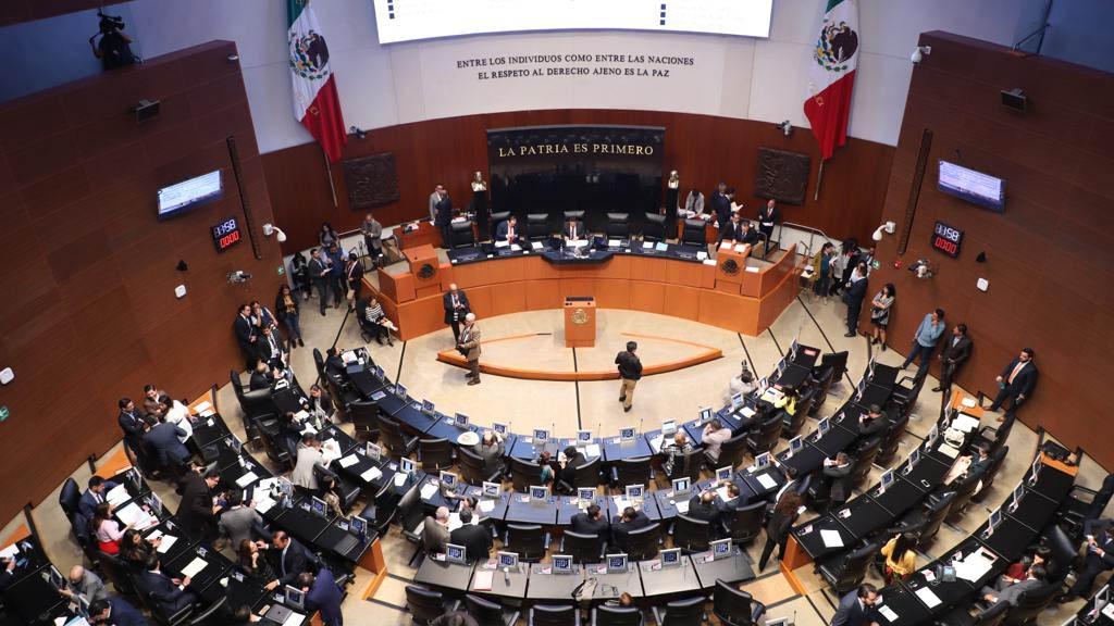 Senado aprueba dos de las tres propuestas de AMLO para Pemex