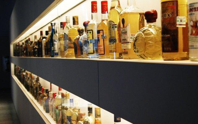Mercado ilícito de bebidas alcohólicas crece ante restricciones por COVID-19 - Foto: mutemgaribaldi.mx