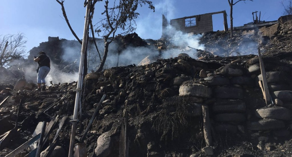 Incendio en viviendas de Tijuana deja una persona muerta - Tijuana incendio Lomas Taurinas