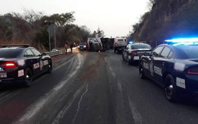 Reabren carretera Cuernavaca-Chilpancingo tras volcadura de tráiler - tráiler carretera cuernavaca-chilpancingo