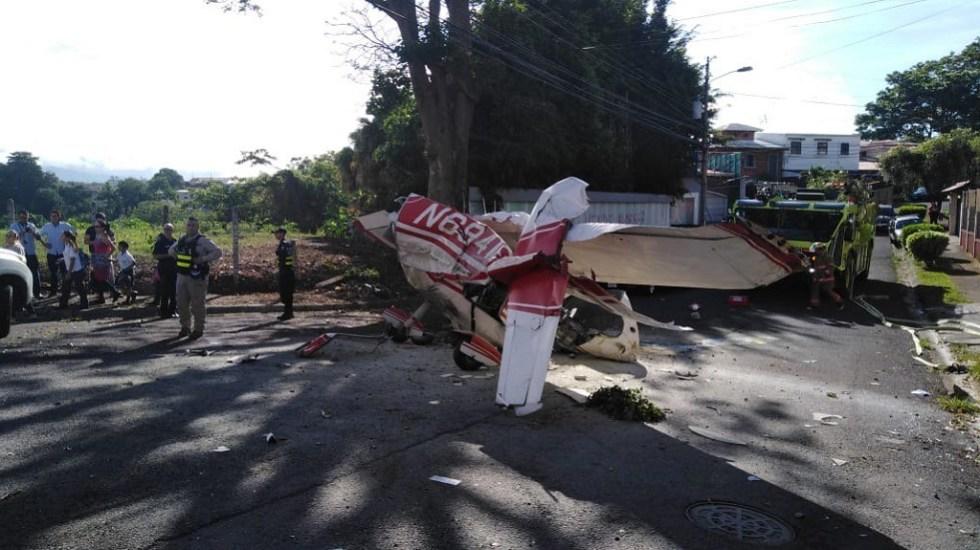 Pilotos sobreviven a accidente aéreo en Costa Rica - Accidente aéreo de pilotos argentinos en Costa Rica. Foto de @seguridadcrc