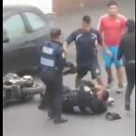 #Video Pelea con motociclistas deja dos policías heridos en la capital