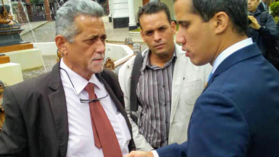 Tercer diputado acusado de alzamiento contra Maduro se refugia en sede diplomática - Américo De Grazia diputado Venezuela
