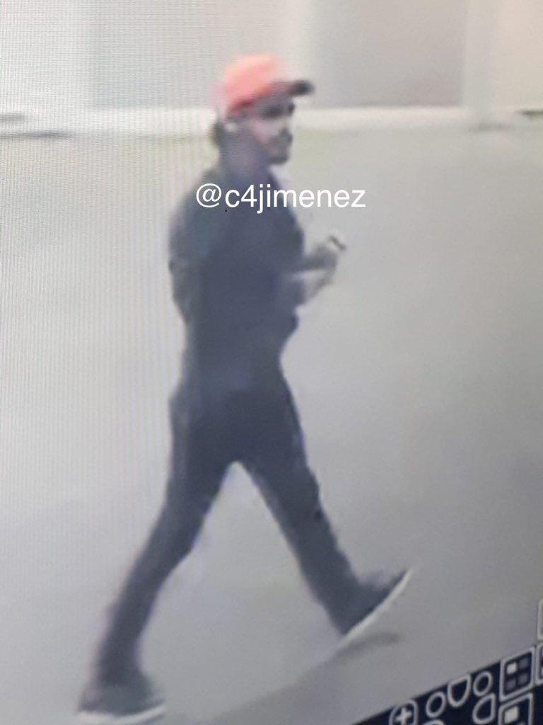 Así iba vestido Jorge B. el día que atacó a Abraham Murguía. Foto de @c4jimenez
