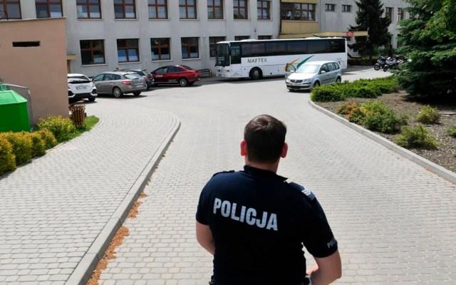 Ataque a escuela deja dos heridas en Polonia - ataque escuela polonia