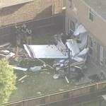 Avión pequeño se estrella en vivienda de Texas - Avión casa Texas accidente