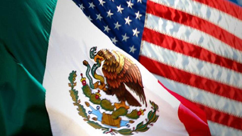 Marcelo Ebrard conversa con el secretario Blinken sobre cooperación México-EE.UU. - Banderas México-EE.UU. diálogo seguridad