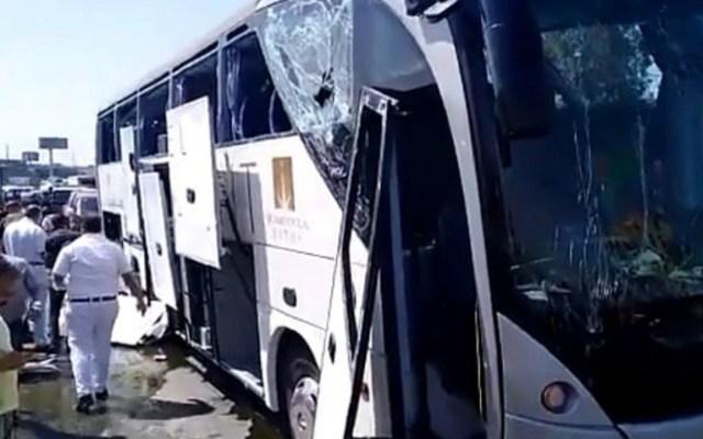 Atentado contra autobús cerca de las pirámides de Guiza deja 17 heridos - atentado con bomba contra autobús cerca de las pirámides de guiza