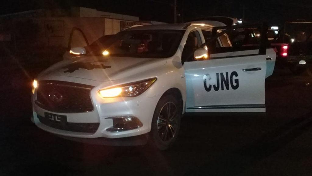 Camioneta de grupo criminal que atacó a policías de Zamora, Mich. Foto Especial / Quadratín