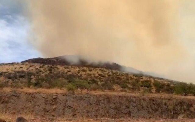 Incendio en el Cerro de la Venta, en San Juan del Río - Foto de Quadratín.