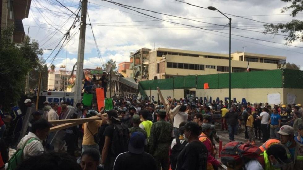 Juez ordena que PGJ-CDMX mantenga custodia del Colegio Rébsamen - Colegio Rébsamen el día del temblor. Foto de Samuel González