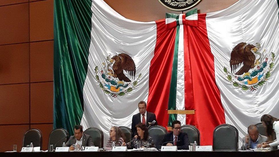 Diputados aprueban en Comisiones Unidas dictamen de Reforma Educativa - Las Comisiones Unidas. Foto de @PdPagina