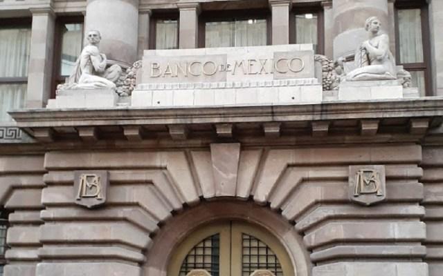 """""""No estamos en pleito con el Banco de México"""": AMLO - Entrada del edificio principal del Banco de México. Foto de Ángel Pérez / Google Maps"""
