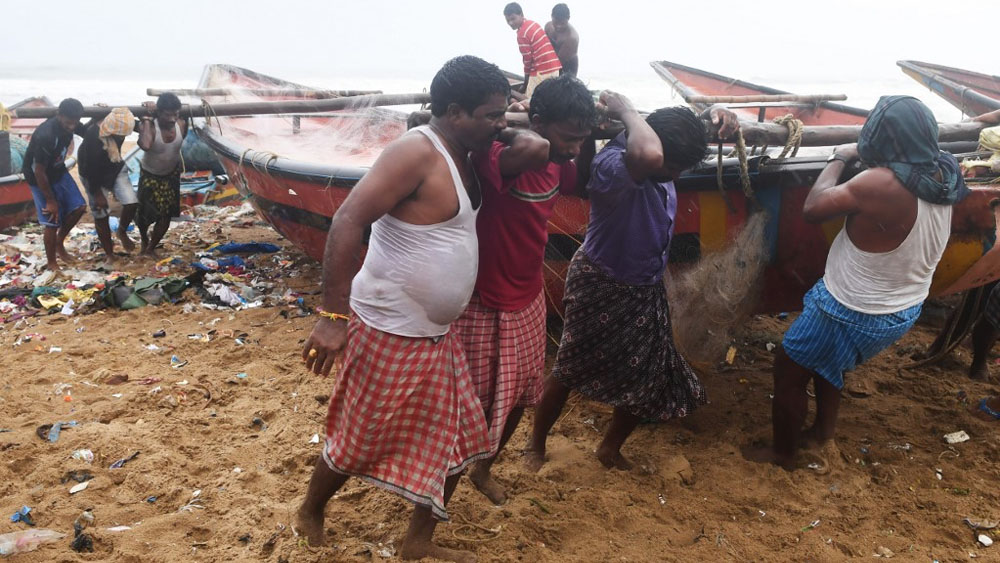 evacuados ciclón india