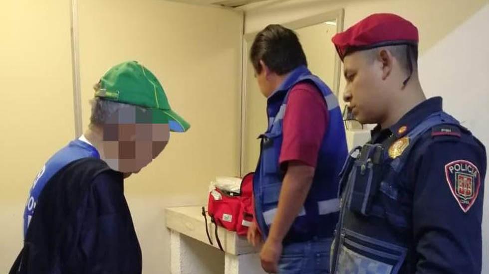 Evitan suicidio de adulto mayor en Metro Indios Verdes - Evaluación médica del adulto mayor. Foto de @MetroCDMX