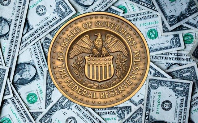 Fed recorta tasas de interés por primera vez en más de 10 años - Foto de Federal Reserve y Sharon McCutcheon / Unsplash