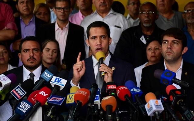 Guaidó desafía a Maduro con marchas a cuarteles de Venezuela - Juan Guaidó Venezuela